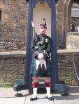 768px-Guard_outside_Edinburgh_Castle.jpg